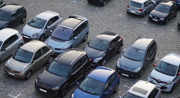 Что делать, если автомобилю перекрыли выезд?