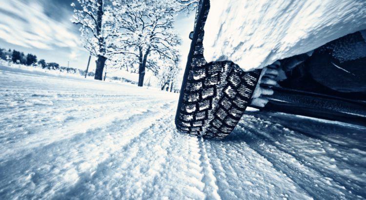 Как ездить в гололед или правильный стиль вождения